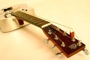 7 string harp guitar
